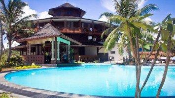 Macaronis Resort